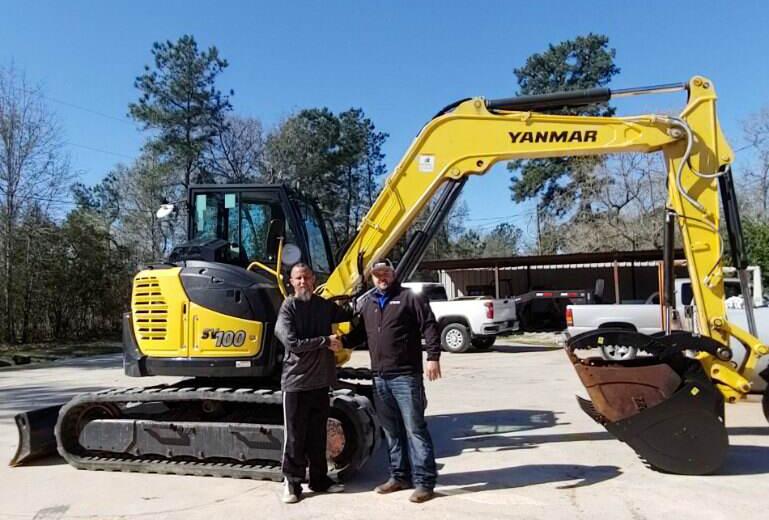 Billy Ryals of Ground Zero Equipment and David Moore, Vermeer Cypress Sales Rep